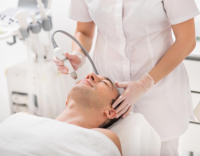 Laserowe usuwanie blizn u mężczyzn